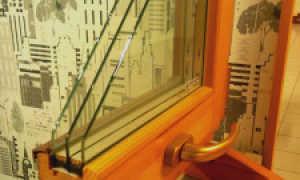 Остекляем балкон пластиковыми окнами
